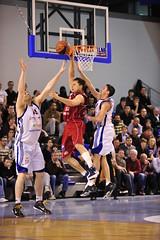 Yann Devhat (poitiersbasket86) Tags: saint basket match domicile 86 yann poitiers dfense lnb cholet eloi proa pb86 20092010 devhat