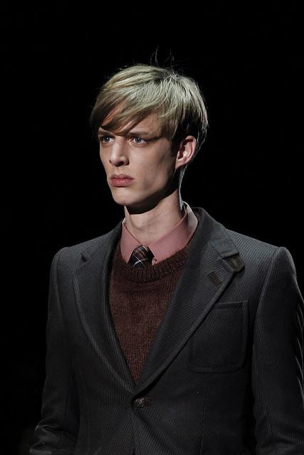 Benoni Loos3241_FW11_Milan_Gucci(VOGUEcom)