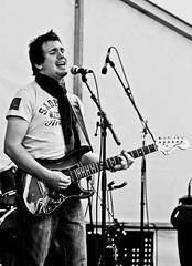 hobble-cobble-2010-john-parish (Canon Mad) Tags: music live aylesbury cobbles hobble hotc