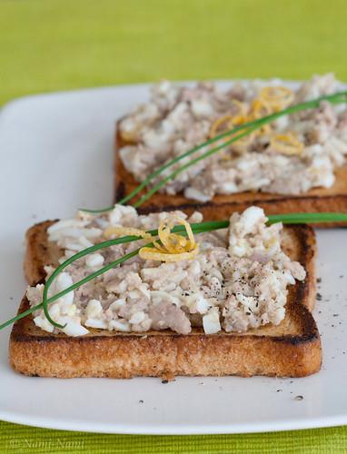 Cod liver toast / Tursamaksasalat