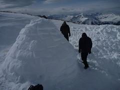 P1010711 (S.B.V. Slopend) Tags: sneeuw file slapen ontbijt wijn iglo zwitserland sneeuwstorm verbrand kampvuur bivak kapot stukzitten slopend iglorious sneeuwgrot