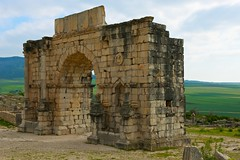 Volubilis, Triumphal Arch (Australians Studying Abroad (Christopher Wood)) Tags: rome morocco triumphalarch romans cleopatra volubilis juba christopherwood tingitania australiansstudyingabroad