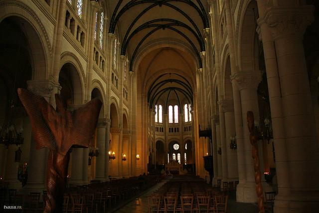 La fusion des styles romans et gothiques s'est faite harmonieusement