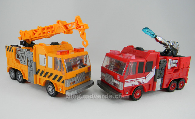 Transformers Grapple United Voyager - modo alterno vs Inferno