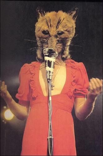 Genesis_PeterGabriel_Foxtrot_Paris_Januar1973