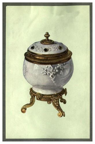 004-Jarrón de porcelana blanca de Tehua en la provincia de Fuchien-A book of porcelain…1910-William Gibs