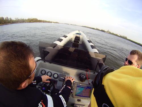 Over de Maas van Rotterdam naar Scheveningen met de nieuwe RING Powercraft - Dashboard