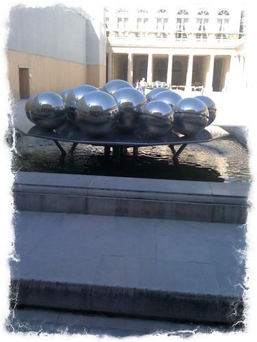 <span>parigi</span>Palais Royale<br><br><p class='tag'>tag:<br/>design | viaggio | parigi | </p>