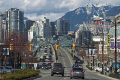 A city full of life (Chun@Vancouver) Tags: canada vancouver cityscape britishcolumbia yaletown cambiestreet bcplace cambiebridge northsharemountain