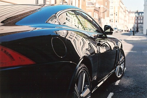 Jaguar XKR by Vespamore !