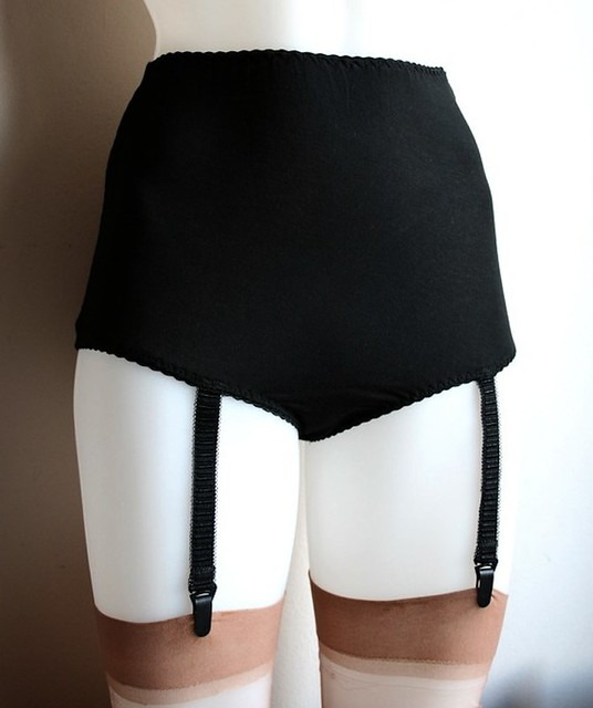 Bamboo Jersey Suspender Knickers 3