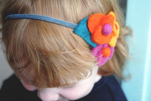 everynothing wonderful  Tutorial  Felt flower headbands (from ... 68a078b74a0