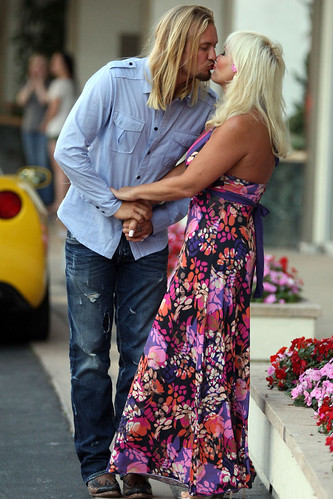 linda hogan engaged. 0728-linda-hogan-engaged-07