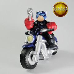 SuperHeroSquadCaptainAmericaB07 (Fabrica das Artes) Tags: man spiral spider dc iron action loki superhero batman brave heroes squad odin thor marvel combat league wolverine dcu galactic heores