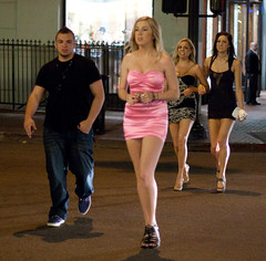 Pretty in pink (San Diego Shooter) Tags: girls girl sandiego streetphotography downtownsandiego sandiegogaslampquarter sandiegonightlife sandiegopeople sandiegostreetphotography