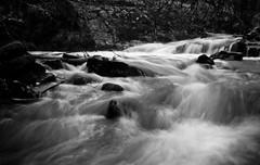 Flow (dubbelt_halvslag) Tags: longexposure bw water weather creek canon landscape flow long exposure raw sweden schweden sverige scandinavia westcoast vatten kil tanum vstkusten bck g10 lngexponeringstid