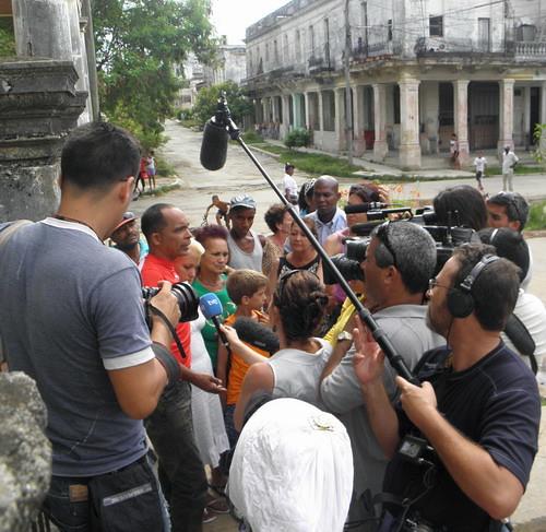 Ferrer y su familia entrevistados por la prensa extranjera