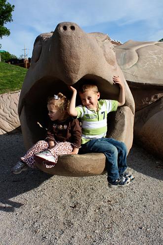 kids-in-turtles-head