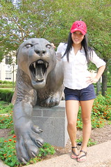 Suzie (Daisy Gómez) Tags: college girl outdoors football student university stadium graduation houston graduate cougar uh universityofhouston uofh d40