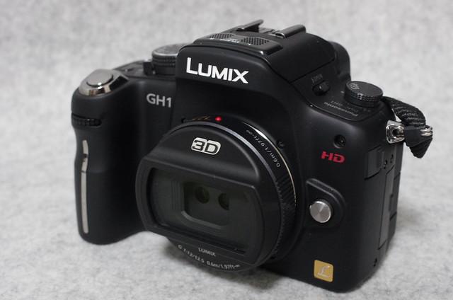 LUMIX GH1 + 3D lens