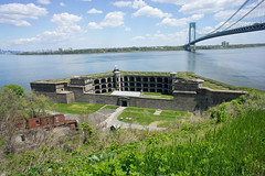 Battery Weed at Fort Wadsworth, Staten Island (Scott Beale) Tags: nyc statenisland verrazanonarrowsbridge fortwadsworth batteryweed