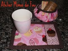 MUG RUG Cupcake (Atelier Mimos da Fau) Tags: quilt cupcake mug rug caneca aplicao cestinha troquinha tapetedecaneca