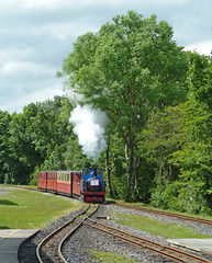 Train arriving at Clayton West (Kirklees Light Railway) by Tim Green aka atoach