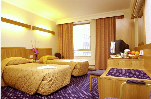ロイヤル ナショナル ホテル