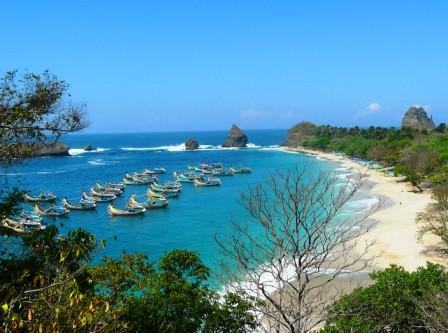 Pantai-Papuma-Jember