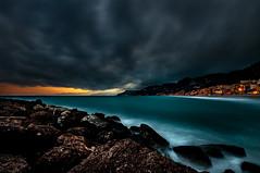 Tramonto e Tempesta su Varigotti DSC1729 (Gian Matteo) Tags: sunset sea storm rain clouds tramonto nuvole mare liguria nuages pioggia mr coucherdesoleil tempesta scogli scogliera tempte wintersea varigotti ligurie maredinverno merdhiver