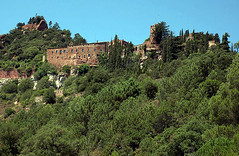 Sant Miquel d'Escornalbou (Monestirs Puntcat) Tags: monastery monasterio baixcamp monestir miquel sanmiquel escornalbou riudecanyes canònica