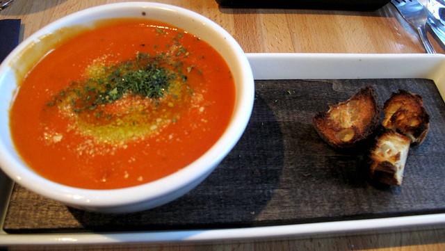 studzio-cream-tomato-parmesan-basil