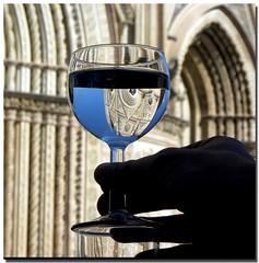 CinCin  /   Cheers (s@brina) Tags: reflection silhouette duomo acqua bicchiere orvieto riflesso quotidiae