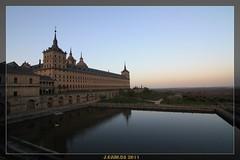 MONASTERIO DEL ESCORIAL.. (((((((-charly-)))))) Tags: madrid canon atardecer antigua panoramicas monumentos imagenes pueblos escorial 2011 450d travelsofhomerodyssey