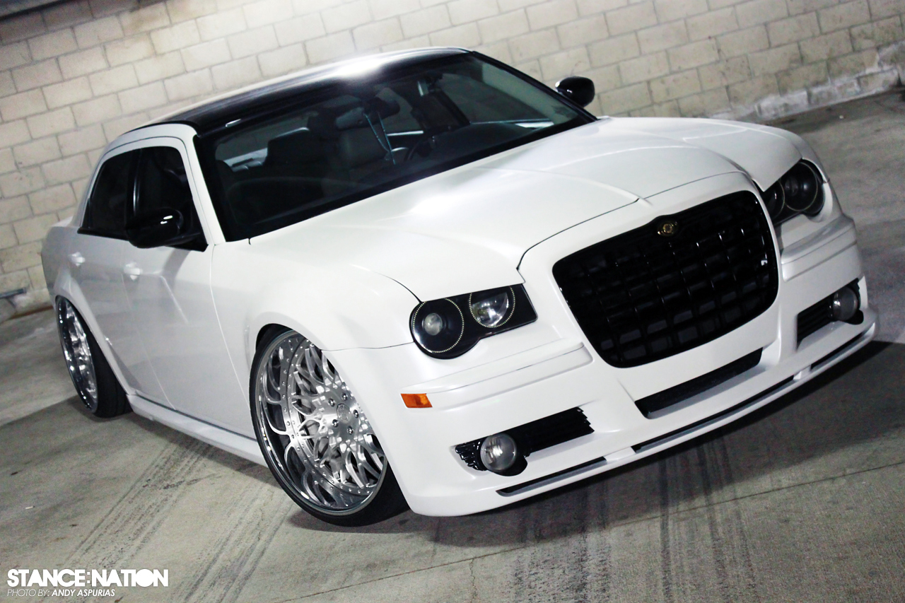 VIP Modular x Chrysler 300 | StanceNation™ // Form > Function