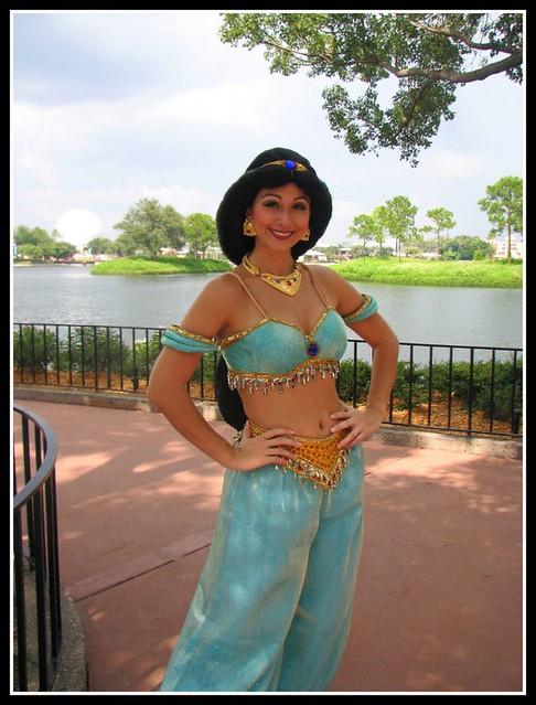 Princess-Jasmine-Disney-Costume-700x921