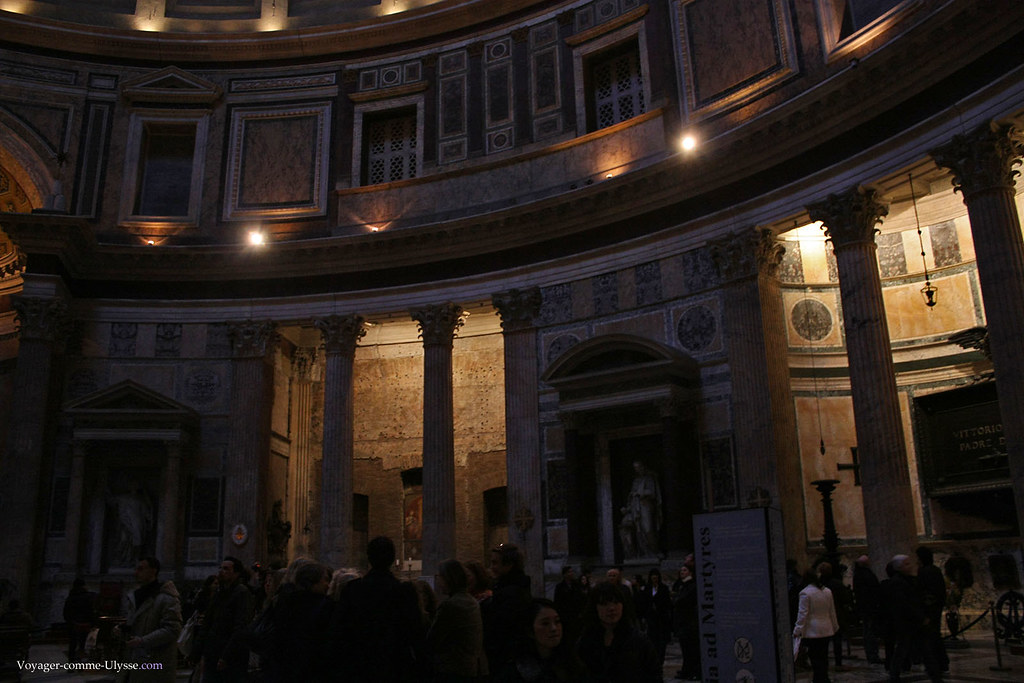 Sancta Maria ad Martyres, église romaine, le nom officiel du Panthéon