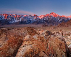 Alabama Hills (Helminadia Ranford) Tags: california light sunrise landscape rocks day clear lonepine easternsierras alabamahills
