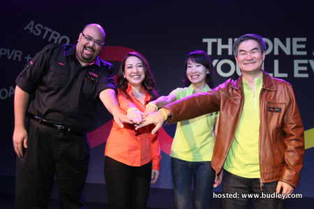 (L-R) Afzal Abdul Rahim, Ceo Of Time Dotcom, Dato' Rohana Rozhan, Ceo Of Astro, Liew Swee Lin, Chief Commercial Officer Of Astro, And Henry Tan, Chief Operations Officer Of Astro