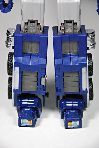 iGear's PP-01 Faith Leader aka Optimus Prime