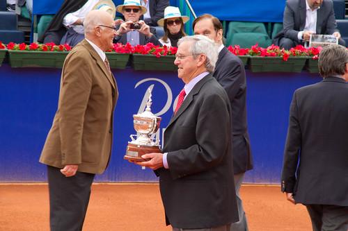 Homenaje a Roy Emerson en el Barcelona Open Banc Sabadell 2011