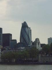 P4230852 (a3rynsun) Tags: england building london thames skyscraper river egg