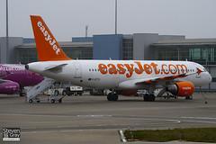G-EZTH - 3953 - Easyjet - Airbus A320-214 - Luton - 110317 - Steven Gray - IMG_1006