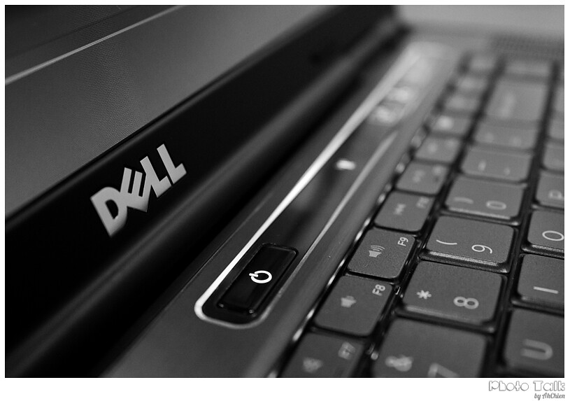 DELL XPS 15 Laptop - logo