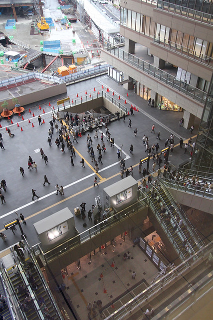 JR大阪駅中央北口アトリウム空間