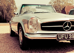 Mercedes Benz 280 SL Automatic (Wil Wardle) Tags: wil canon photography mercedes benz kent photographer william retro sl nostalgia automatic nostalgic f28 280 tenterden wineestate wardle retrofeeling chapeldown worldcars canonef2470mm 5dmk2 ebphoto carportraiture