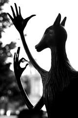 NIGROMANTE (DETALLE ) (Mnemosine86) Tags: bw sculpture white black blanco bronze de hands y surrealism negro yucatan manos escultura paseo merida mains surrealisme carrington surrealismo leonora montejo nigromante