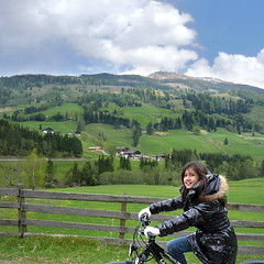 Samantha enjoying the mountain ride (Bn) Tags: panorama mountain snow alps salzburg nature bike race geotagged cycling austria goldberg tour mountainbike glacier alpine valley cycle biking gradient pedals mountainbiking impressive gravel bycicle radweg ascending rauris decending unspoilt cyclepaths kolmsaigurn hohetauernnationalpark rauristal ritterkopf geo:lon=12973818 geo:lat=47136483 raurisvalley rauriskolmsaigurn 3006m