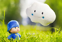 Is it going to rain? (m4calliope) Tags: cloud plush pocoyo kumosan