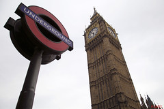 Big Bang and Underground (MSantosga) Tags: uk london monument underground europe bigben
